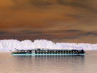 Круизен кораб по река Дунав; comments:29