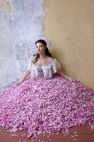 Розовата рокля; comments:23
