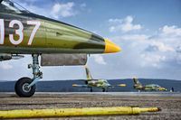 Български L-39ZA рулират за излитане; comments:4