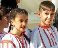 Деца от танцов състав; comments:19