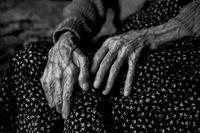 104 годишни ръце; comments:4