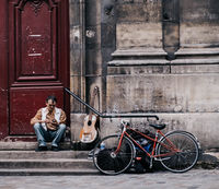 Уличен музикант; comments:10