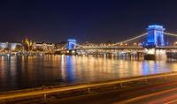 Светлините на Верижния мост; comments:15
