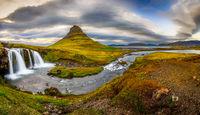 Панорамно Kirkjufellsfoss и Kirkjufell Коментари: 9 Гласували: 39