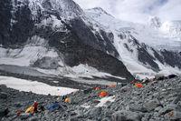 Палатковият лагер І; comments:4