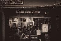 Café des amis; comments:6