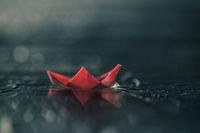 Любовта e лодка в морето; comments:10