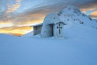 Параклис ,,Света Троица'' в подножието на връх Юмрука по изгрев; comments:12