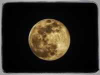 The moon; comments:7