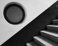 Прозорецът на стълбището; comments:6