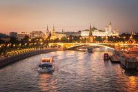Залез над река Москва; comments:5