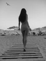 Имало и едно време ... хубави жени на плажа; comments:2