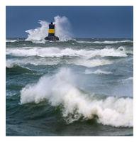 Морето е сърдито; comments:5