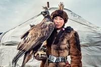 Заманбол - 13 годишно монголско момиче, ловец (Golden Eagle Festival 2017); comments:29