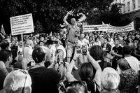 Уикеда - Революция; comments:1
