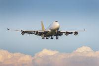 B-747 каца на Враждебна; comments:5