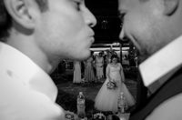 True love captured on wedding photo; No comments