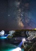 Тюленово, арката, двама рибари и много цвят; comments:4
