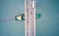 Милфорд пресича Аспарухов мост; Коментари:1