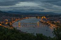 Една нощ в Будапеща; comments:7