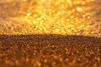 .......и всяка сутрин пясъка превръща се в злато ......; comments:2