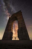 Арката на млечния път, през арката на свободата; comments:6