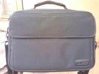Почти нова чанта за Лаптоп 13,3-15 инча Compact