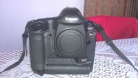 Продавам   CANON  1Ds mark II