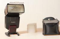 Светкавица Canon Speedlite 550EX E-TTL
