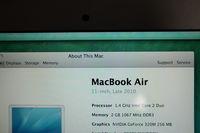 Продавам MacBook Air 11 inch late 2010.