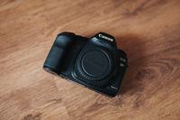 Canon 5D Mark II + Грип и 2 батерии Canon