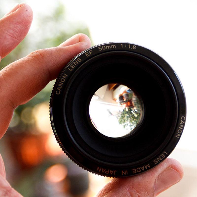 c16f293aae3 Продава: Оригинален японски обектив Canon EF 50mm f/1.8 + сенник + ...