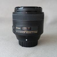 Търся прекрасния Nikkor 85mm f/1.8G