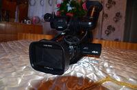 ПРОДАВАСЕ JVC GY-HM70E