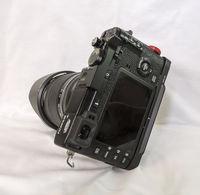 Продавам Fuji X-E2 с обектив Fujinon XF 18-135MM F/3.5-5.6 R LM OIS WR