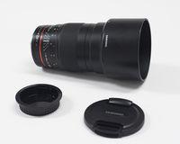 Samyang 135mm f/2 за Canon