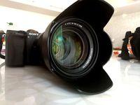 Продавам Sony SEL 18-105mm f/4 с 21 месеца остатъчна гаранция + нова светкавица Sony HVL-F43M