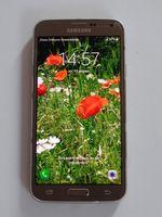 Мобилен телефон  Samsung S5 NEO. Цвят златен