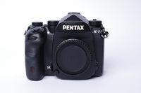 Продавам тяло PENTAX K-1