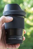 Продавам обектив Sigma 16 mm 1.4 for Sony E-mount