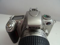 Nikon N55 с обектив NIKKOR 28-80 мм
