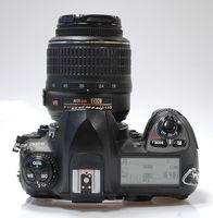 Nikon D200 + обектив Nikkor AF-S 18-55 VR