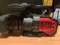 Видеокамера Panasonic AG-DVX 200 4K