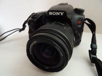 DSLR Sony a65 (1410 кадъра) със забележка + обектив 18-55 мм
