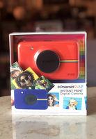 Продавам моментни фотоапарати Polaroid Snap и аксесоари за тях
