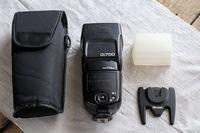 Продавам японска светкавица Nissin Di700 за Nikon