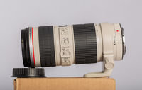 Продавам Canon EF 70-200 f4 IS