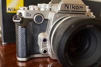 Продавам Nikon Df lens kit