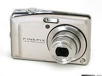 """Колекция фотоапарати Fujifilm от легендарната """"F"""" серия с големи сензори"""