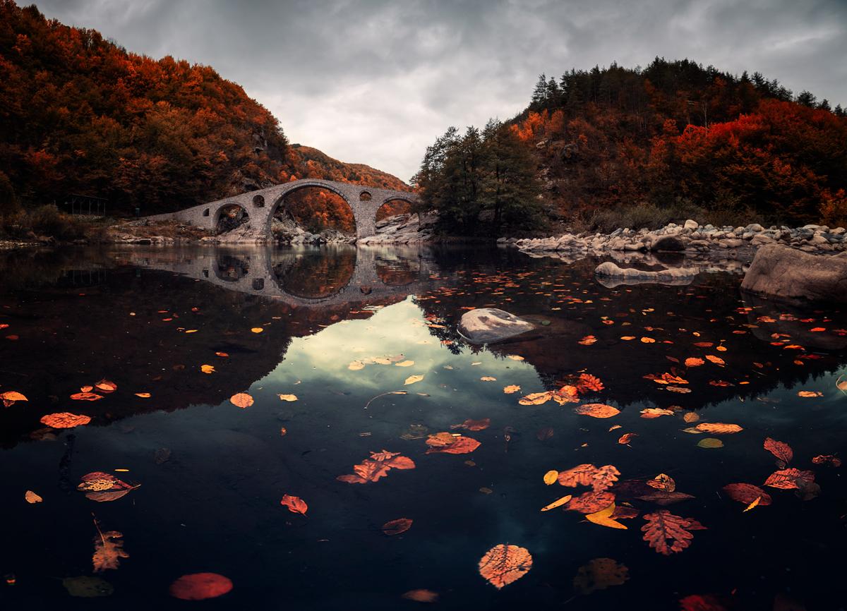 Есен край Дяволския мост от Emil Rashkovski - brutas